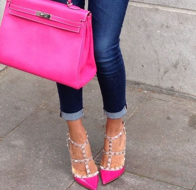 The Millionairess of Pennsylvania:  @}-,-;--- Pink Hermes bag and Pink Valentino rock stud pumps