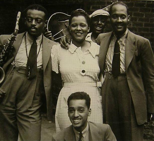 "themaninthegreenshirt: ""Ben Webster, Billie Holiday and Johnny Russell, Harlem, 1935 """