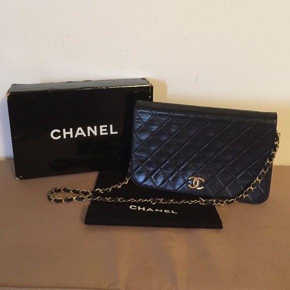 080bacea15cf 🎀Flash SALE Chanel Two-Way Classic Flap Bag Authentic Chanel Black Flap  Clutch Bag