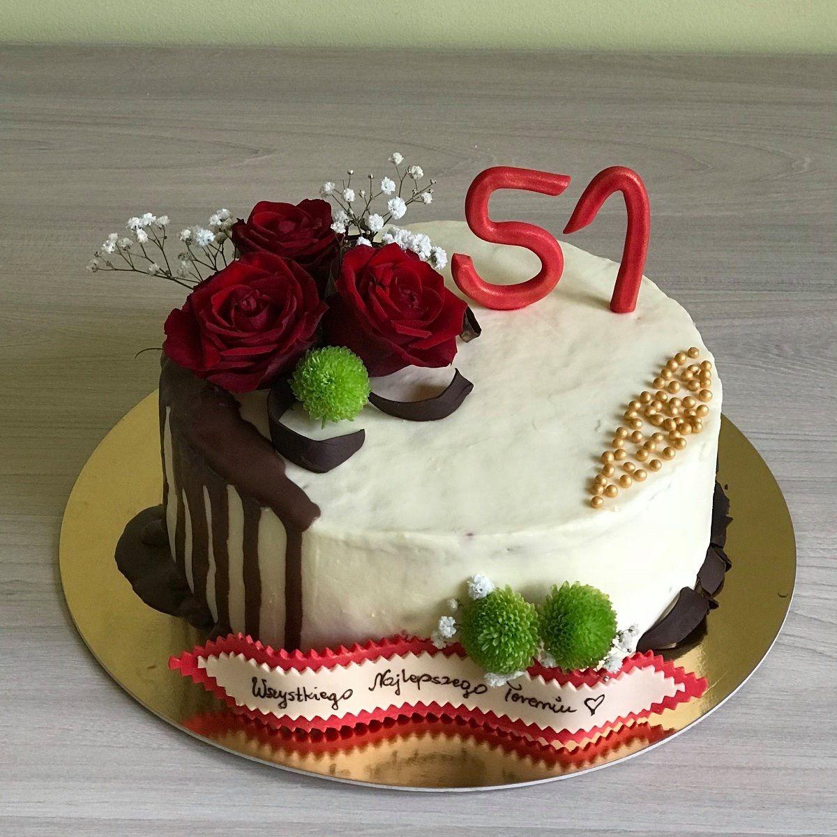 Tort Urodzinowy Dekorowany Zywymi Kwiatami Cake Desserts Food