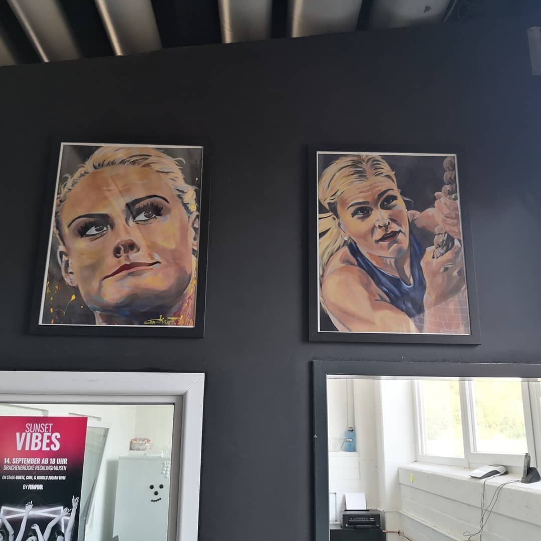 New home for my paintings. Neues Zuhause für meine Bilder. 😊😊😊😊😊😊😊😊😊😊😊 @_pumpbar_ #crossfit #malerei...