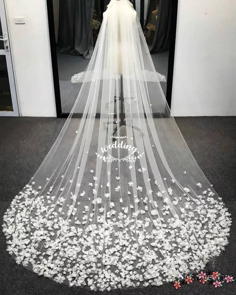 Chapel Wedding Veil With Petals Bridal Veilveilfloral Etsy Cathedral Wedding Veils Ivory Bridal Veil Flower Veil