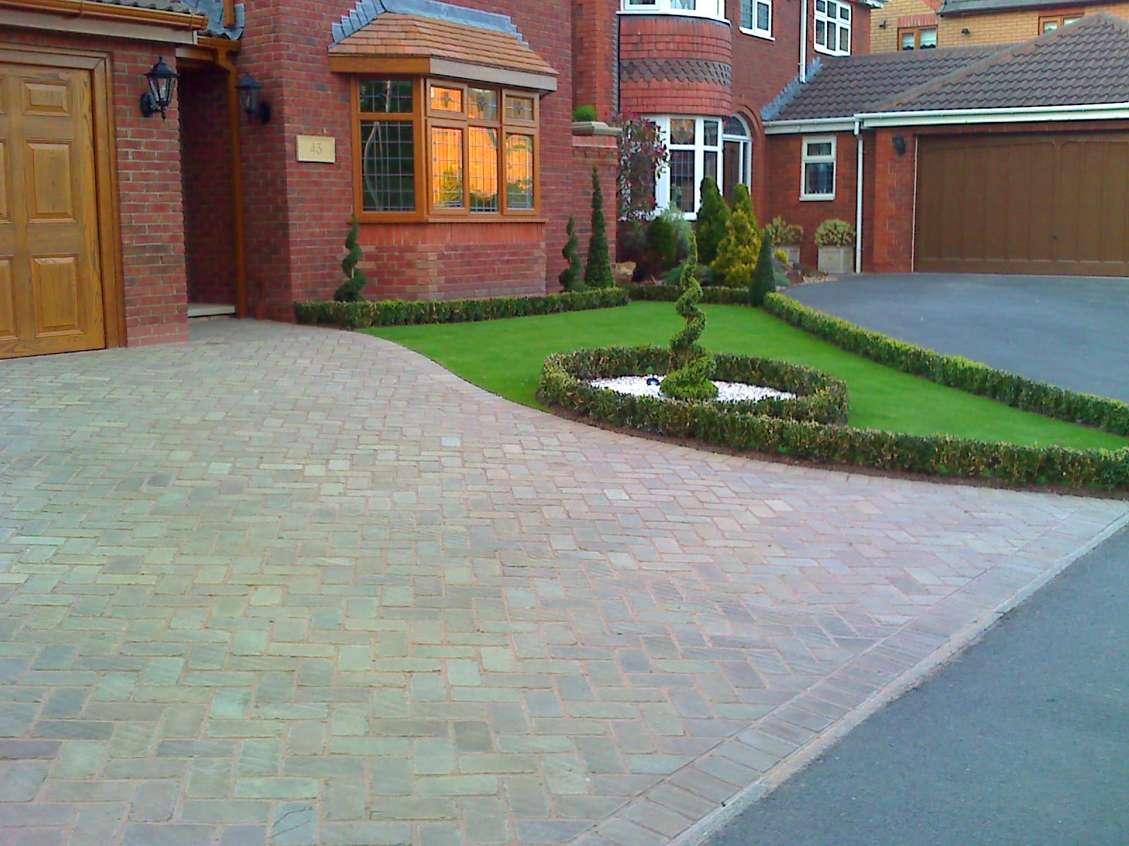 Front Garden And Driveway Design Ideas