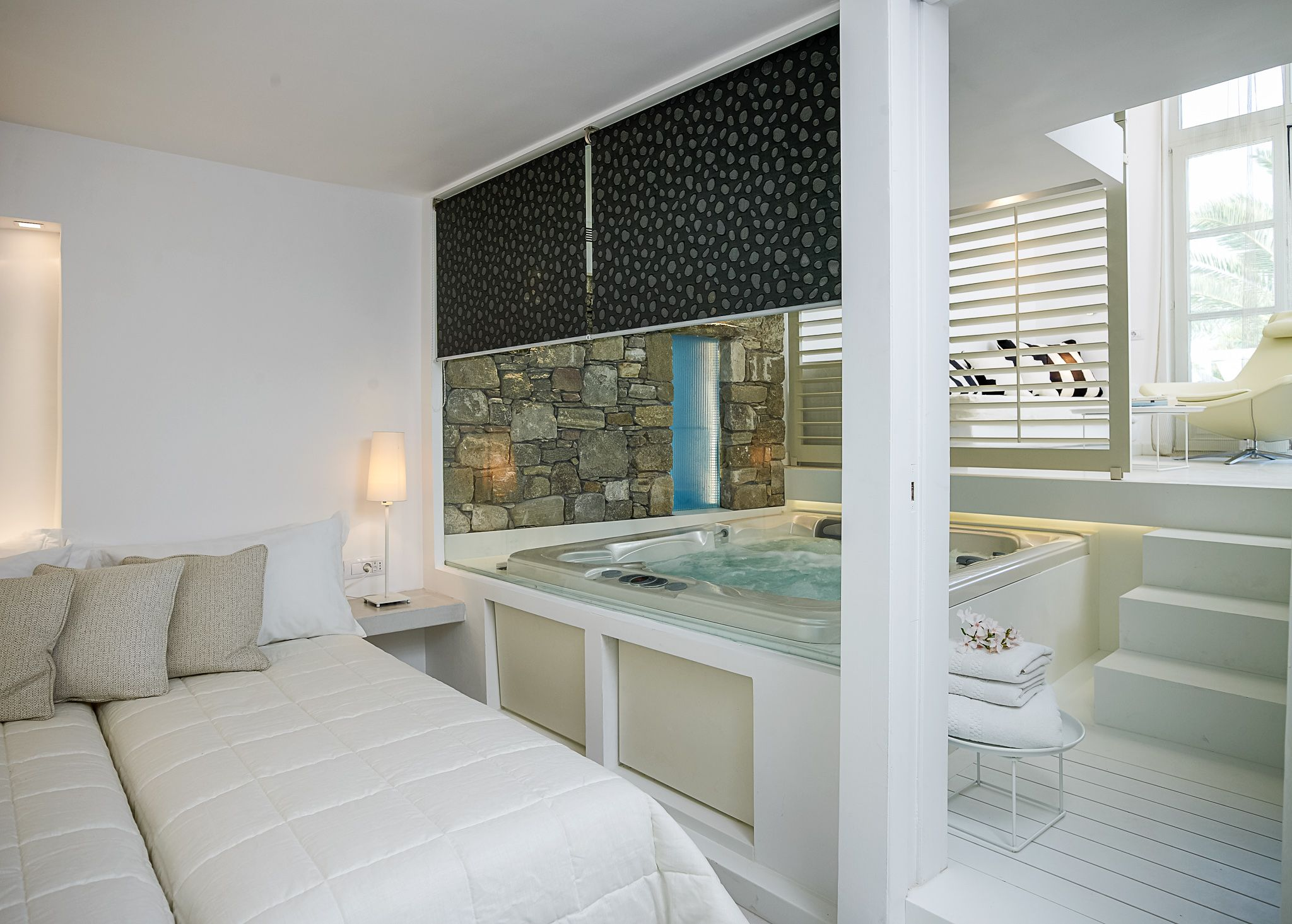 The Luxury Executive Pool View Suite In Mykonos At The Semeli Hotel Offers Privacy Luxury For Up To 5 Guests Perfec Jacuzzi Room Luxury Hotel Indoor Jacuzzi