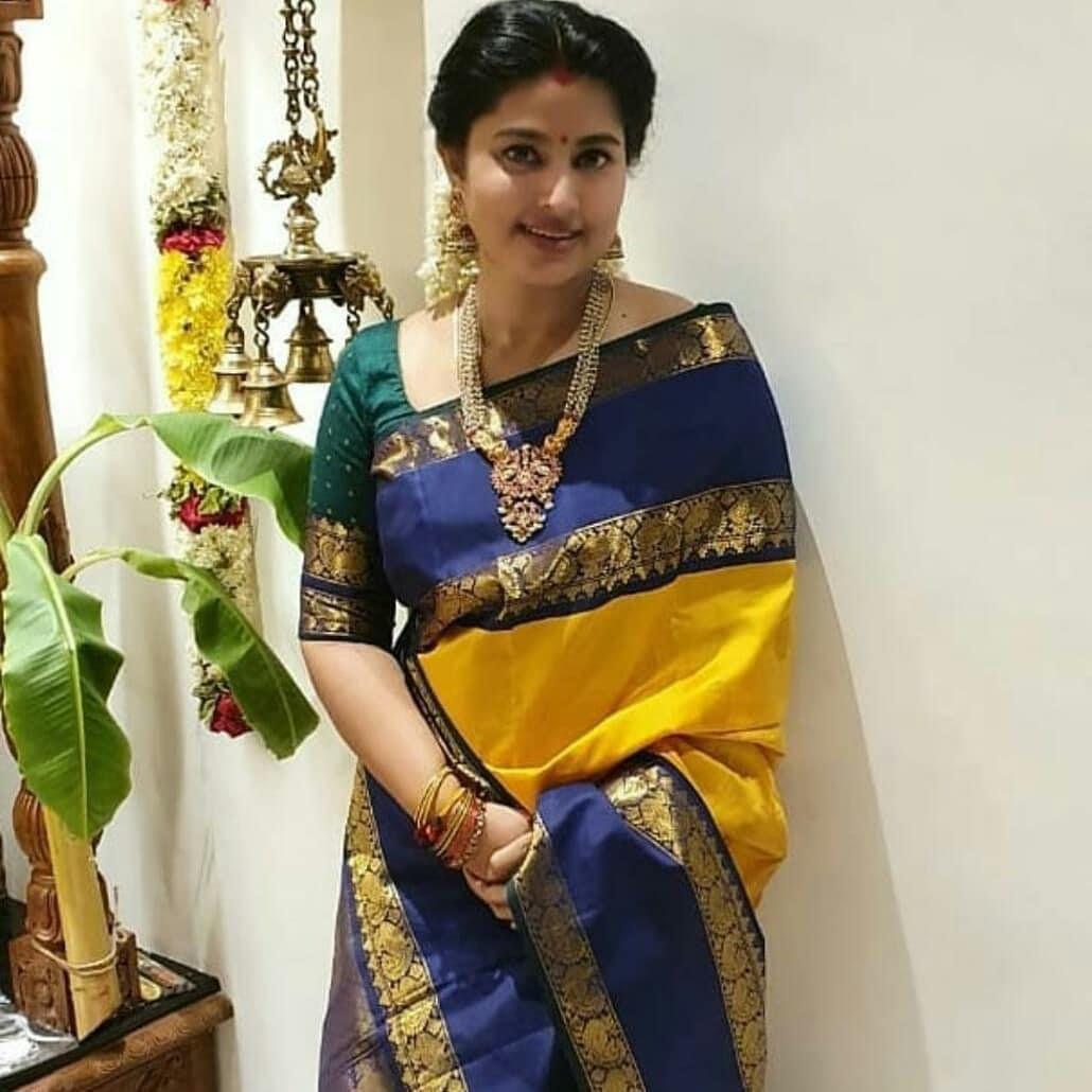 Women Soft Kanjiwaram super all over  weaving litchi silk saree