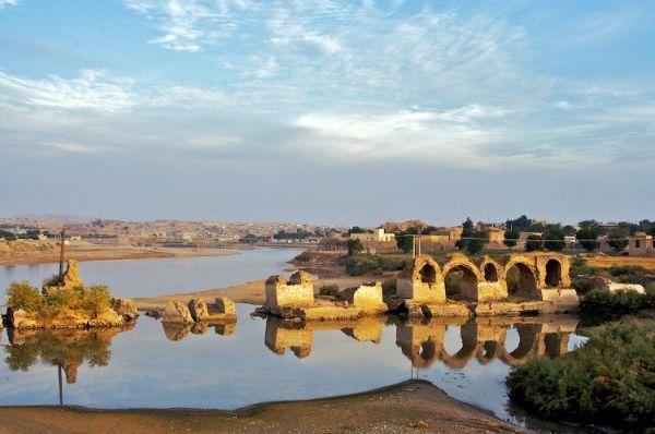 shadravan bridge Shoushtar Built by a Roman workforce in the 3rd century AD on Sassanid order,it was also the most eastern Roman bridge and Roman dam,