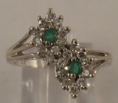 Classy Vintage Emerald .40ct Diamond 14 Karat White Gold Cocktail Ring