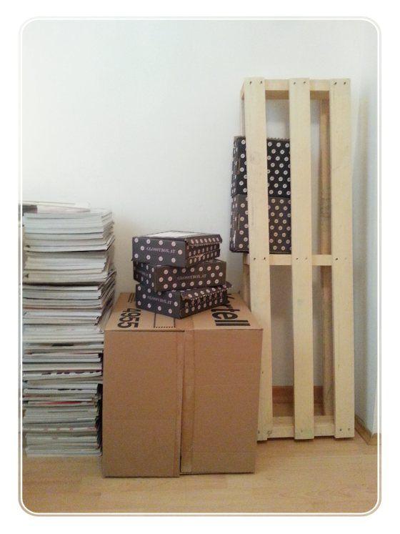 glossybox diy regal basteln tapetenkleister karton upcycling do it yourself schmincktisch. Black Bedroom Furniture Sets. Home Design Ideas