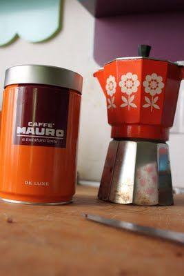 This coffee maker is so, sooo beautiful! Love.