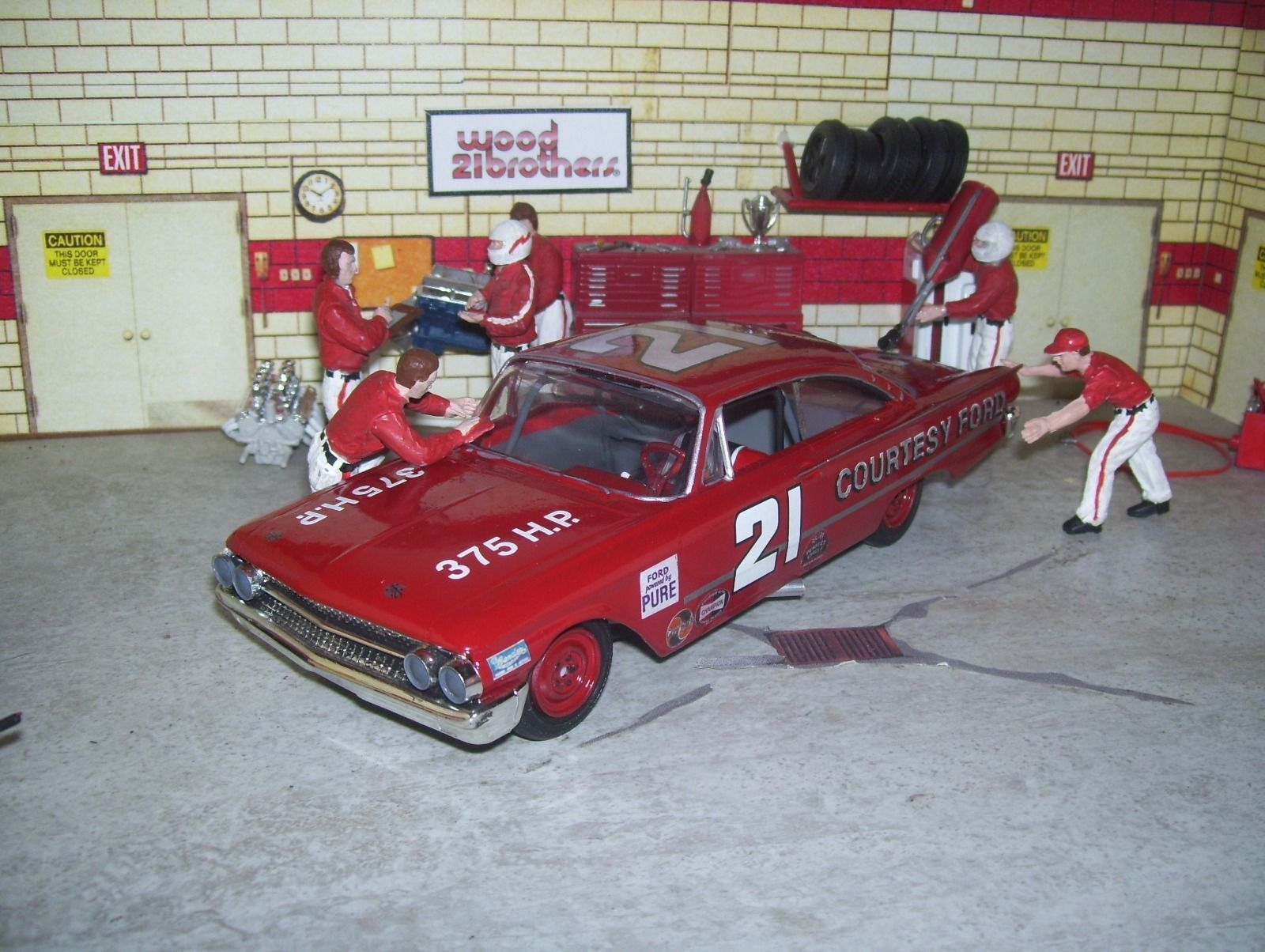 Wood Brothers Curtis Turner 1961 Ford Starliner 1 24th Custom Amt Nascar Collectibles Toy Car Nascar