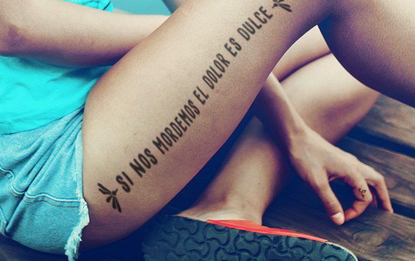 dolor pélvico en el tatuaje