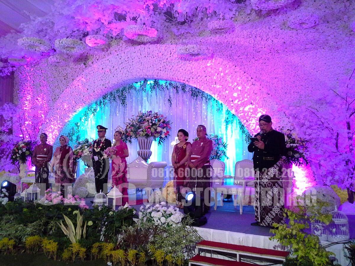 Pin by anna on wedding pinterest wedding and weddings pelaminan modern wedding decorations wedding decor wedding jewelry junglespirit Gallery