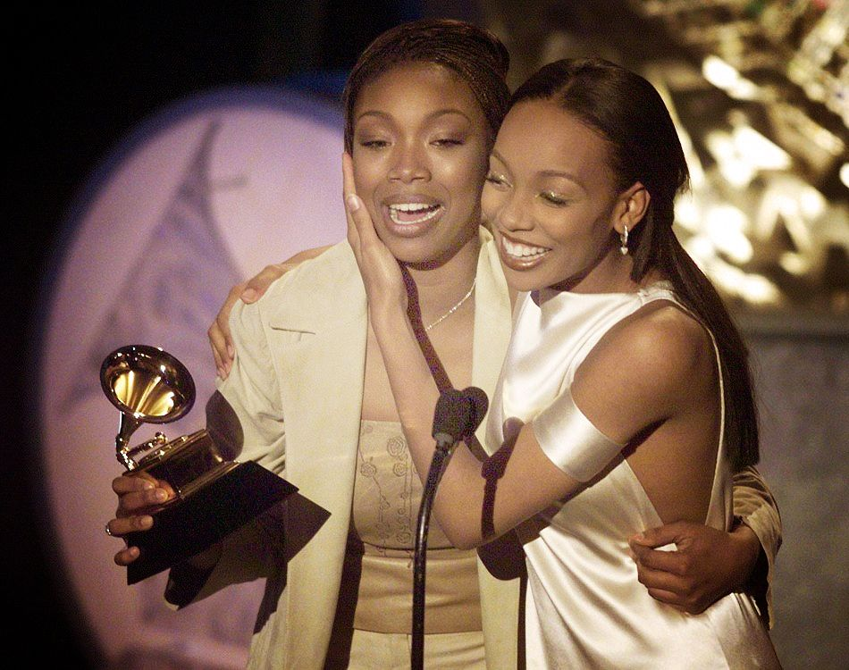 Monica and brandy bet awards whitney tribute on grammy canada horse racing betting websites