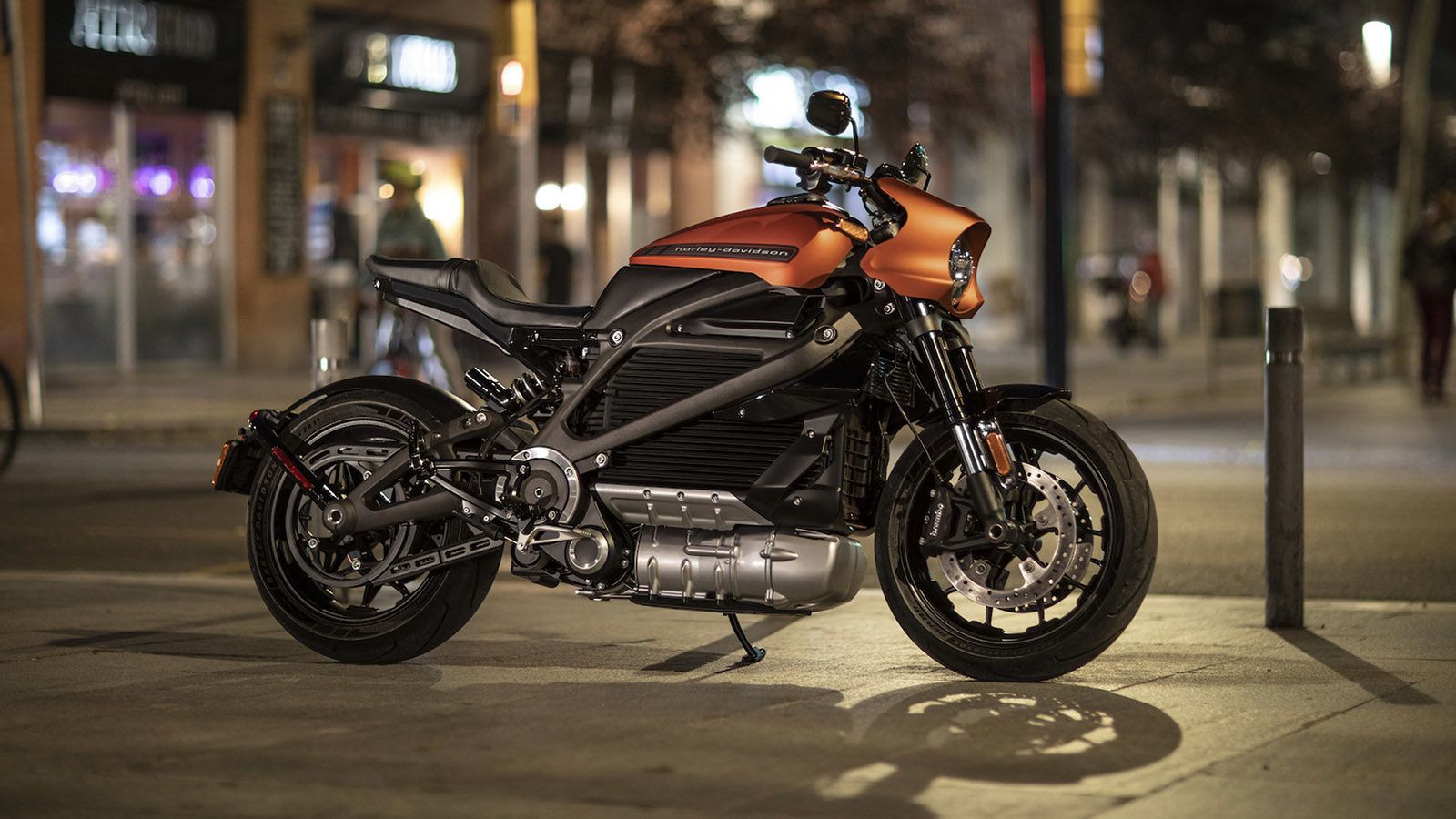 Harley Davidson Shows Off Its Road Ready Livewire Electric Bike Harley Davidson New Motorcycles Motorcycle Price