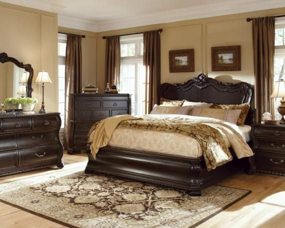 Furniture LeGrand Panel Bed Set With Bacheloru0027s Chest