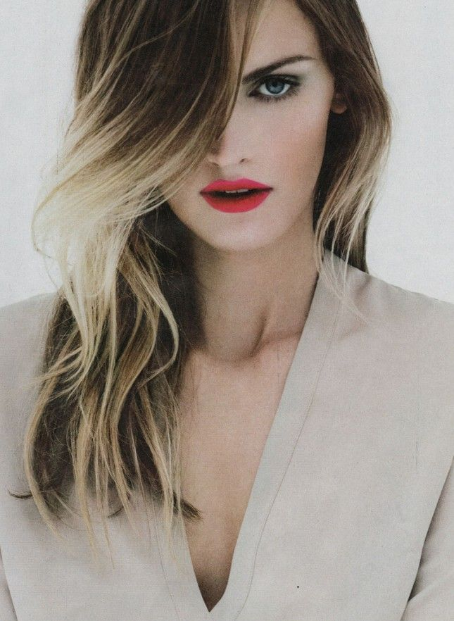 If youre looking for something edgier balayage is also used to strong brow red lips wavy hair ombre blonde highlights so gorgeous pmusecretfo Images