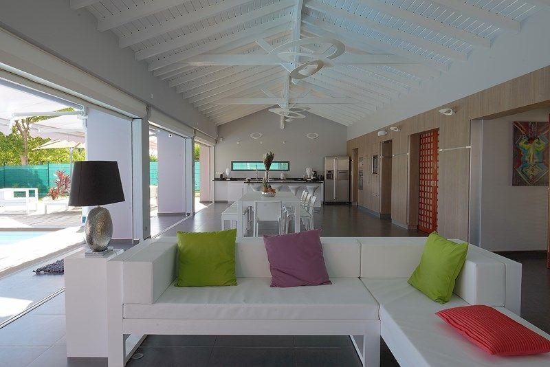 Location de villa prestige en Guadeloupe La Coulée Bleue maison