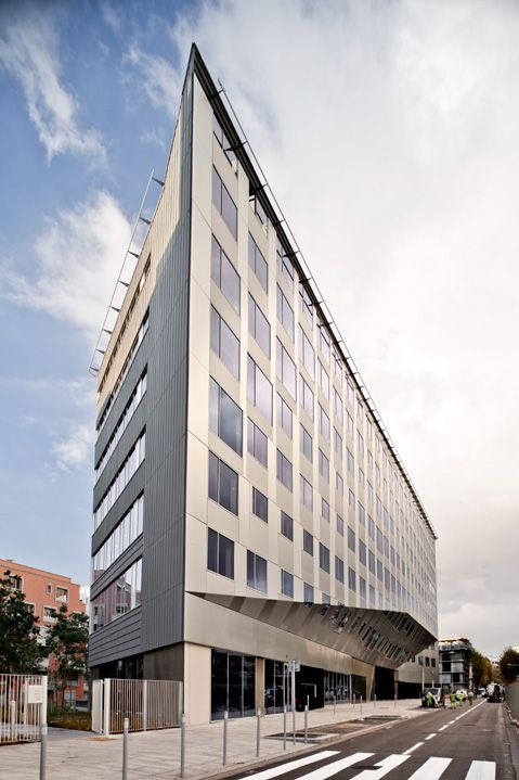 Beautiful Fantastic Office Building With Modern Design: Contemporary Office Building  Design Unit With Great View From