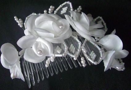 Peigne fleurs et perles pour mariée