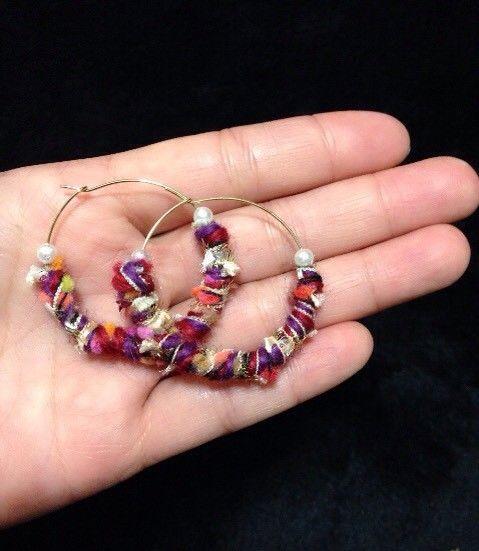 AVRILの糸を使ったピアスです。パールも使ってます(*^^*)|ハンドメイド、手作り、手仕事品の通販・販売・購入ならCreema。