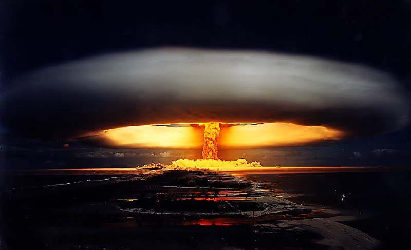 licorne | Mushroom cloud, Atomic bomb, Photo