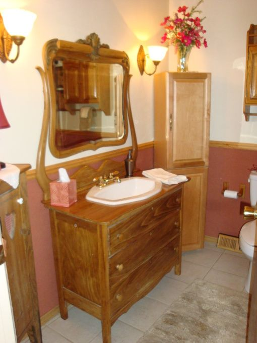 Another Cool Bathroom Vanity Made Out Of An Old Dresser Bathroom Homemade Vanity House Design