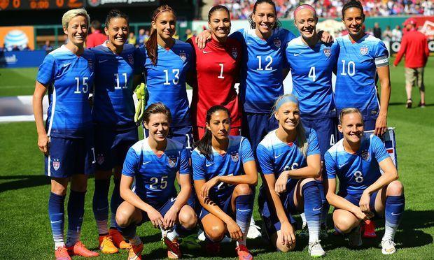 The Us Women S Soccer Team Players 2015 Google Search Usa Soccer Women Women S Soccer Team Soccer Team