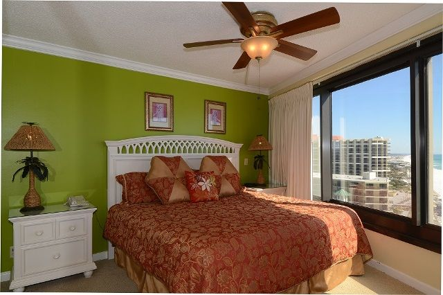 Beachside Two 4331 -13th flr -2BR 2BA+Den-Sleeps 6 | 1-800-553-0188 #beachfront #rental #sandestin #myvacationhaven