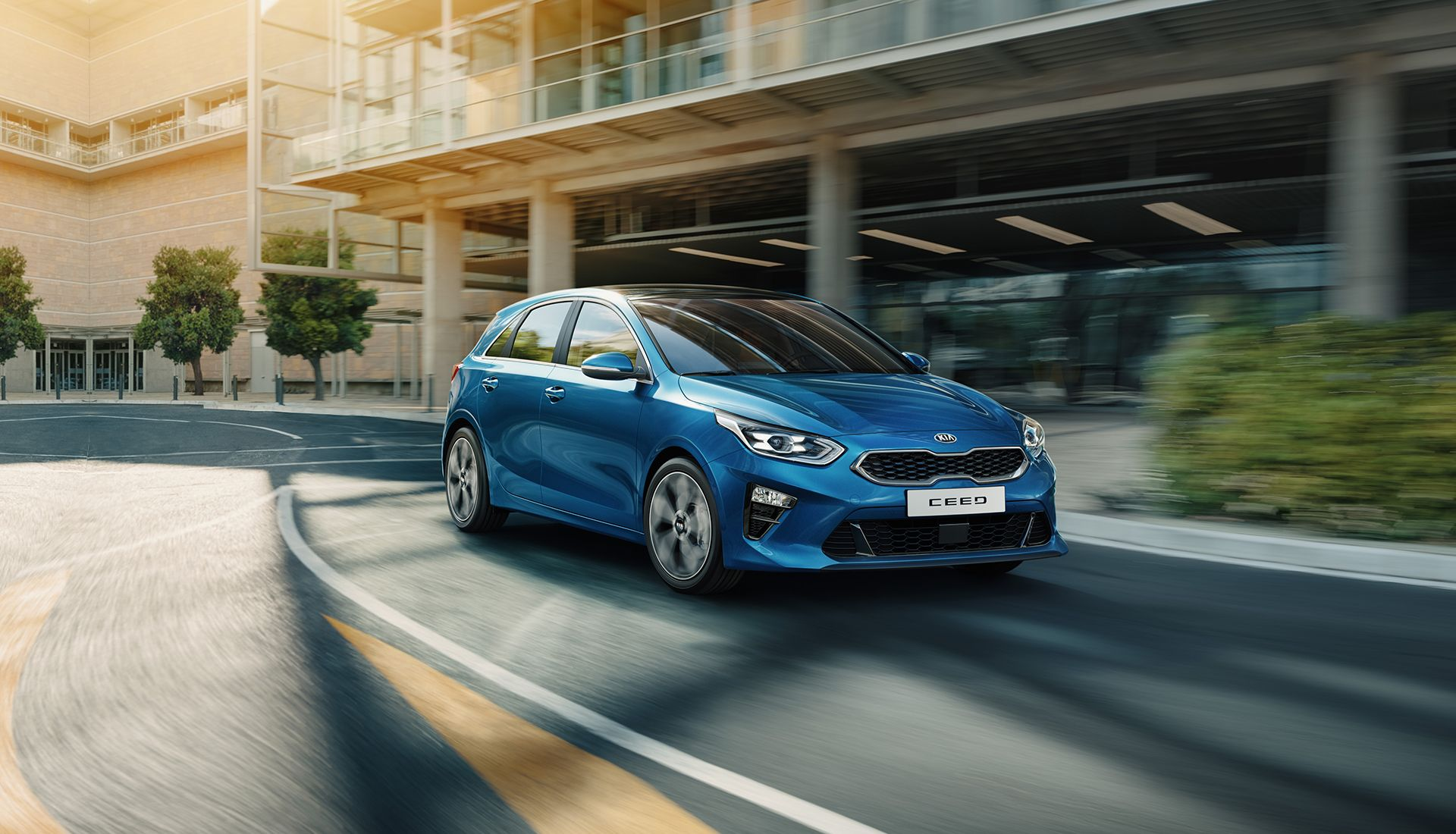 Roving That Family Cars Need Not Compromise On Styling Or Sporting