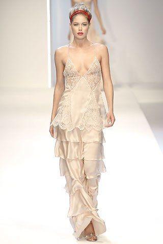 Valentino Spring 2007 Ready-to-Wear Collection Photos - Vogue