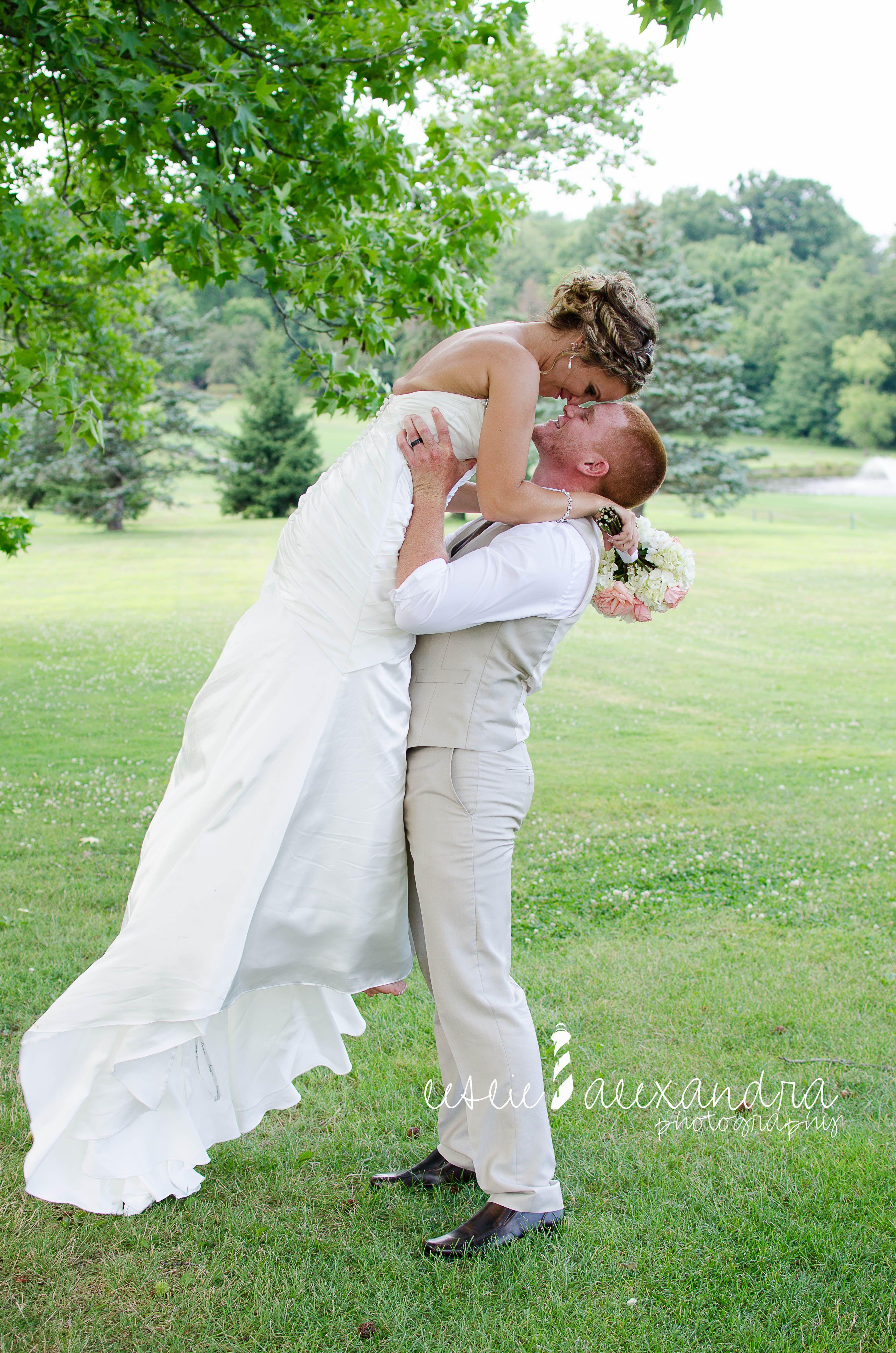 065e41c1a3c Jenna   TJ www.lesliealexandraphotography.com · Wedding Photography
