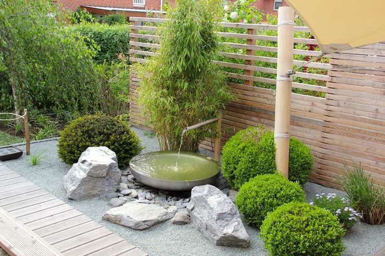 Construire Une Fontaine Exterieure Pour Apporter De L Harmonie Au Jardin Deco Petit Jardin Jardin Japonais Moderne Jardin Japonais