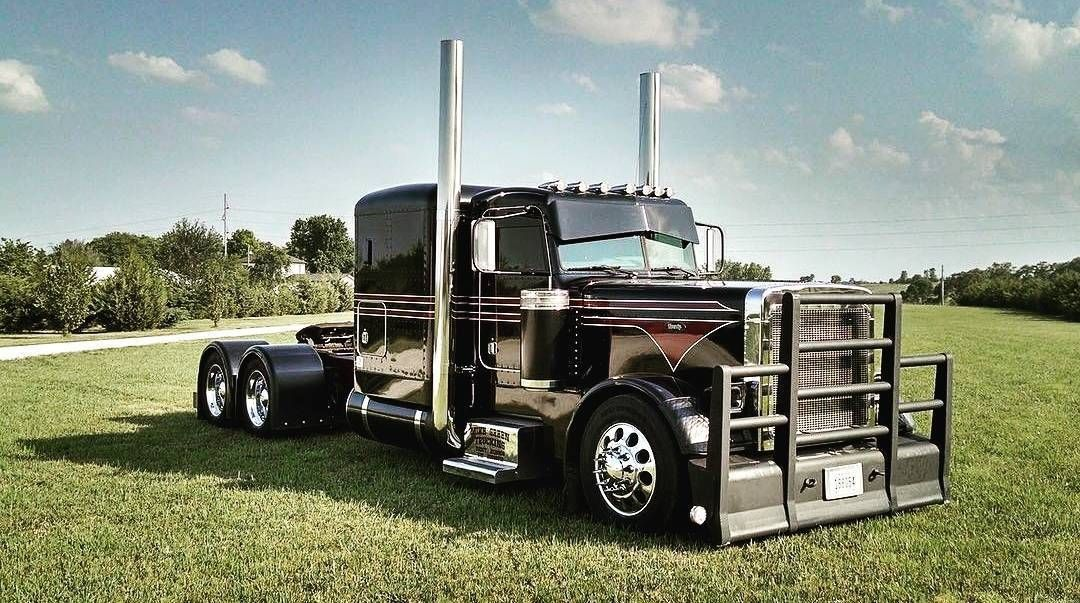 Peterbilt custom 379 us trailer would love to lease used