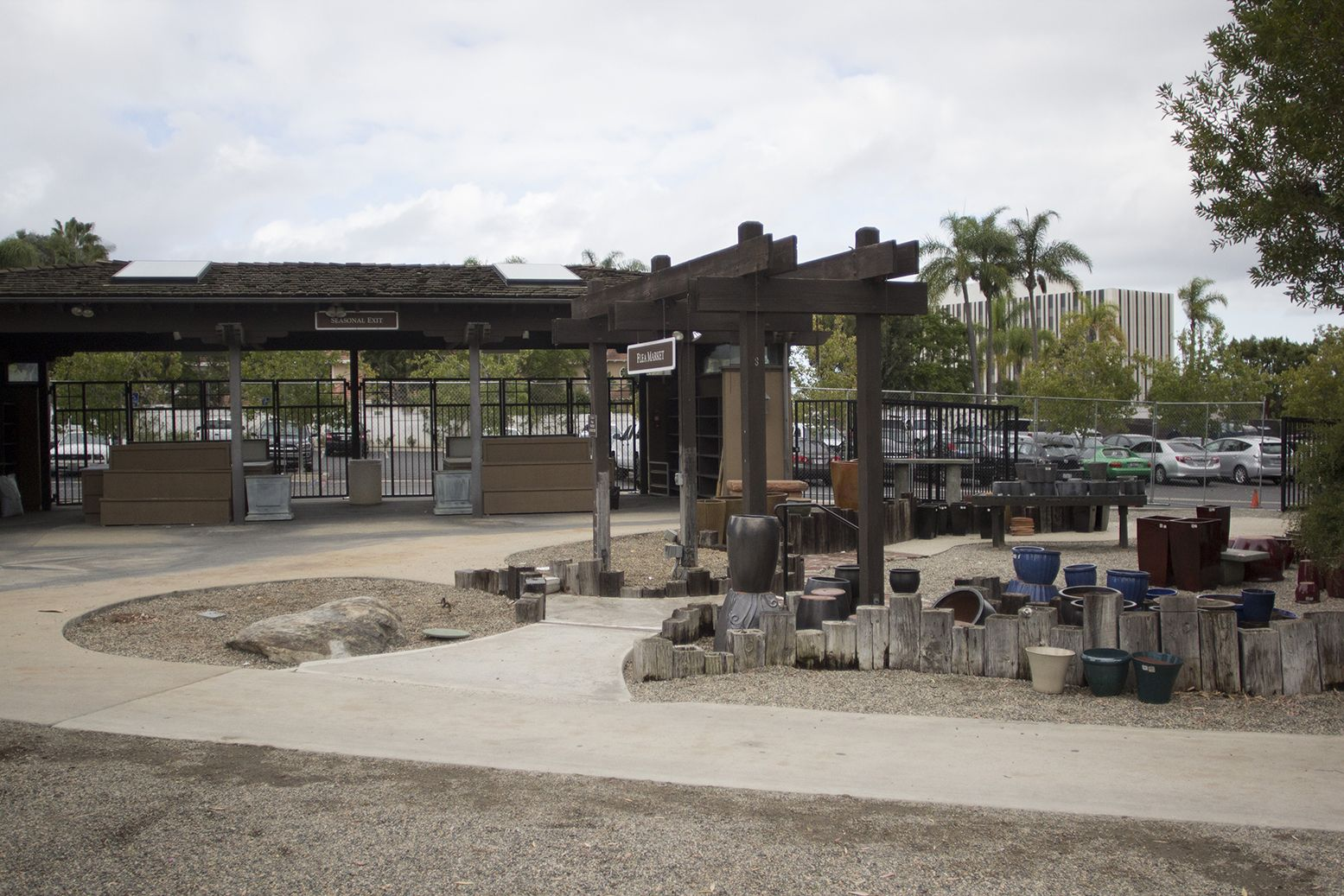 at Roger's Garden Farm gardens, Rogers gardens, Corona