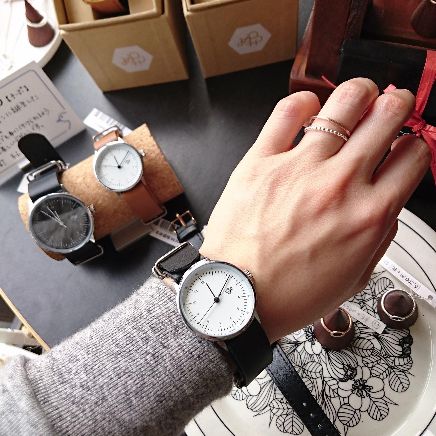 58498a1d3c スウェーデンデザイン【cheapo】の腕時計。シンプルでミニマルなデザインなので、ビジネス