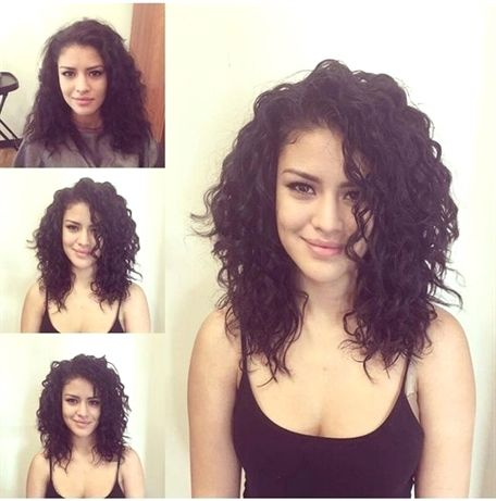 Shoulder Length Curly Hair Styles Naturalcurlyhair Shoulder Length Curly Hair Medium Length Hair Styles Medium Curly Hair Styles