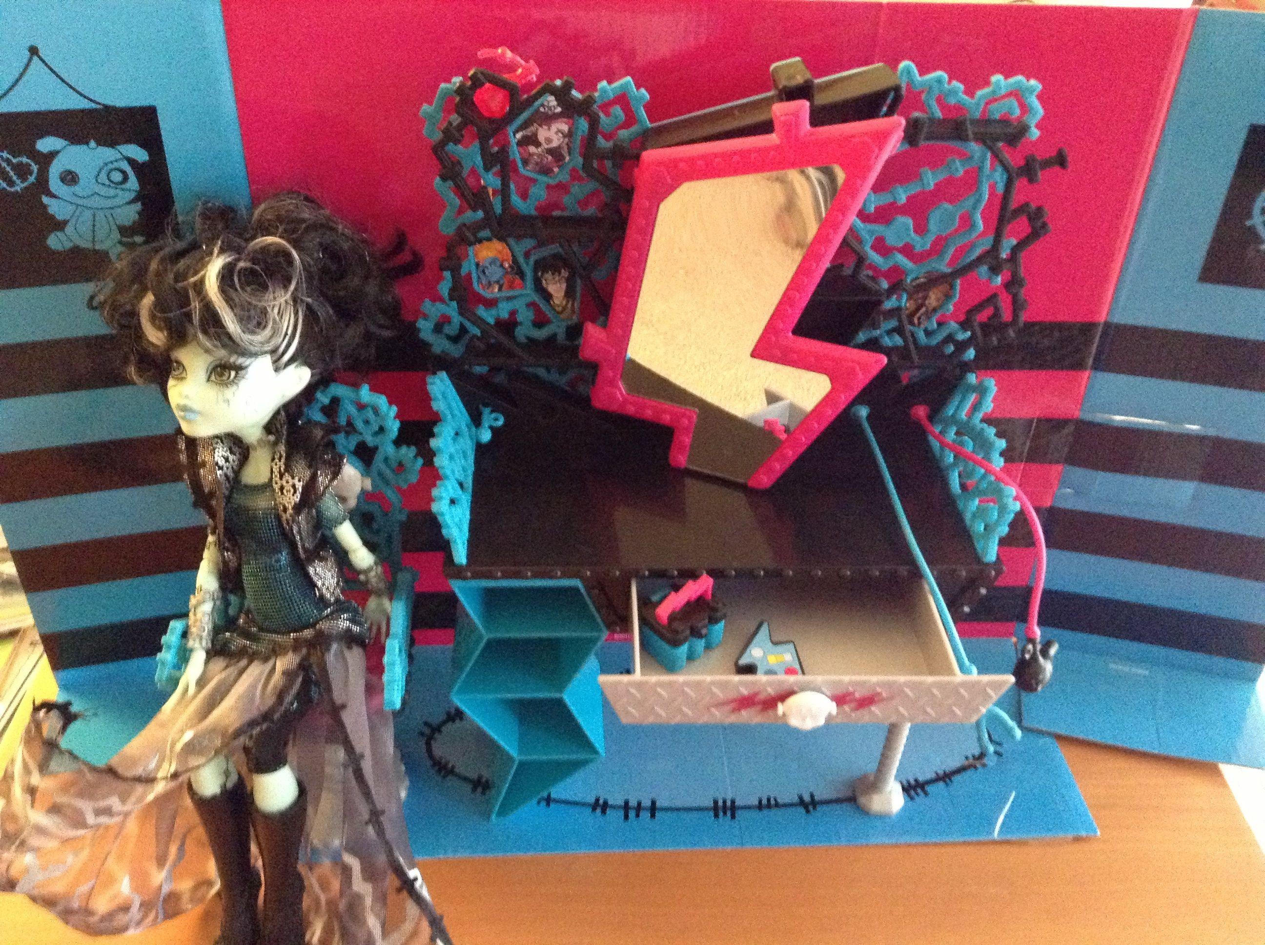 Monster High Makeup Table