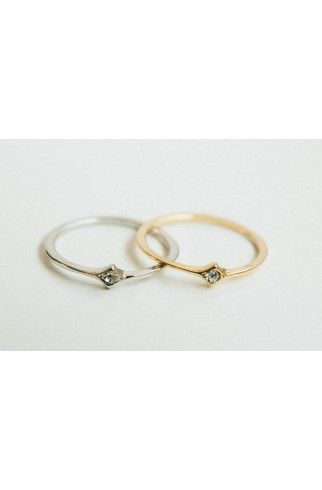 http://aftertherobes.dk/en/jewelry/148--simple-ring.html