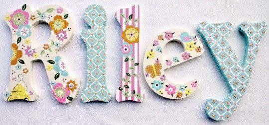 letras infantiles letras de madera sala de juegos cartas cartas de boda letras decorativas apoyos de la foto pintado iniciales palabras