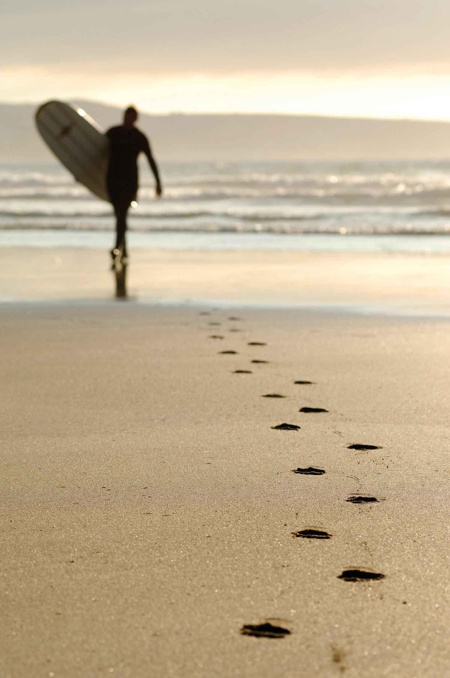 Surfing in Cornwall   Cornwall surfing, Cornwall beaches ...