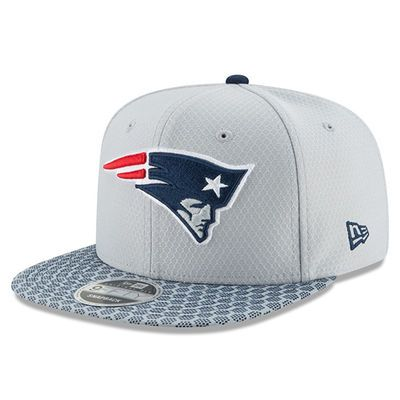 New England Patriots New Era Youth 2017 Sideline Official 9FIFTY Snapback  Hat - Silver 45574c8ae