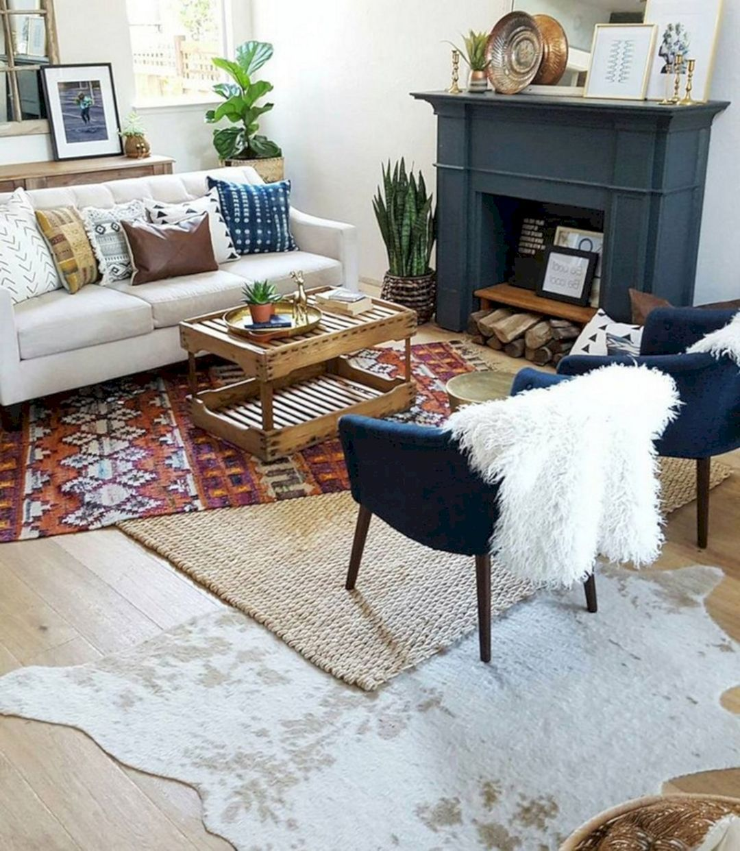 Awesome 25 Amazing Living Room Design With Rug Layering That