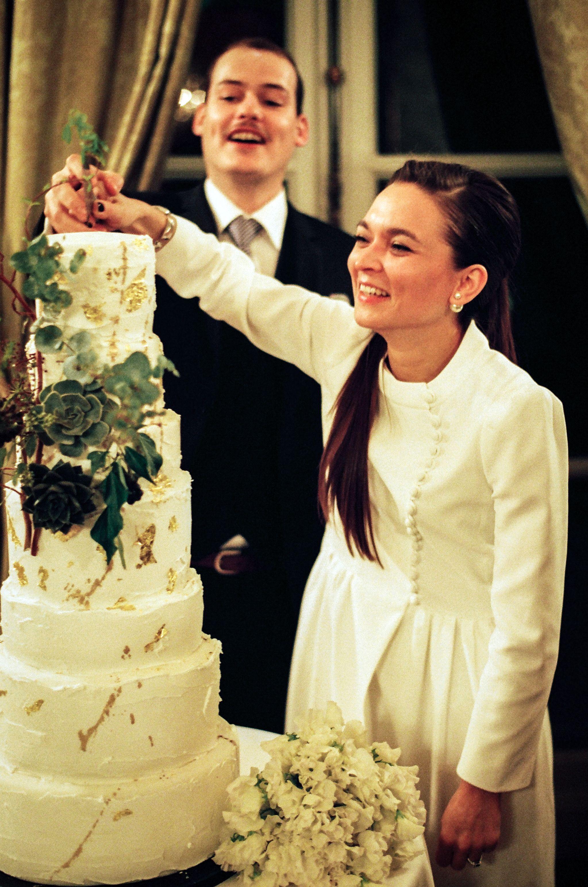 Cake cutting ! Photo credit Maria Pavlovskaya | Synie\'s ...