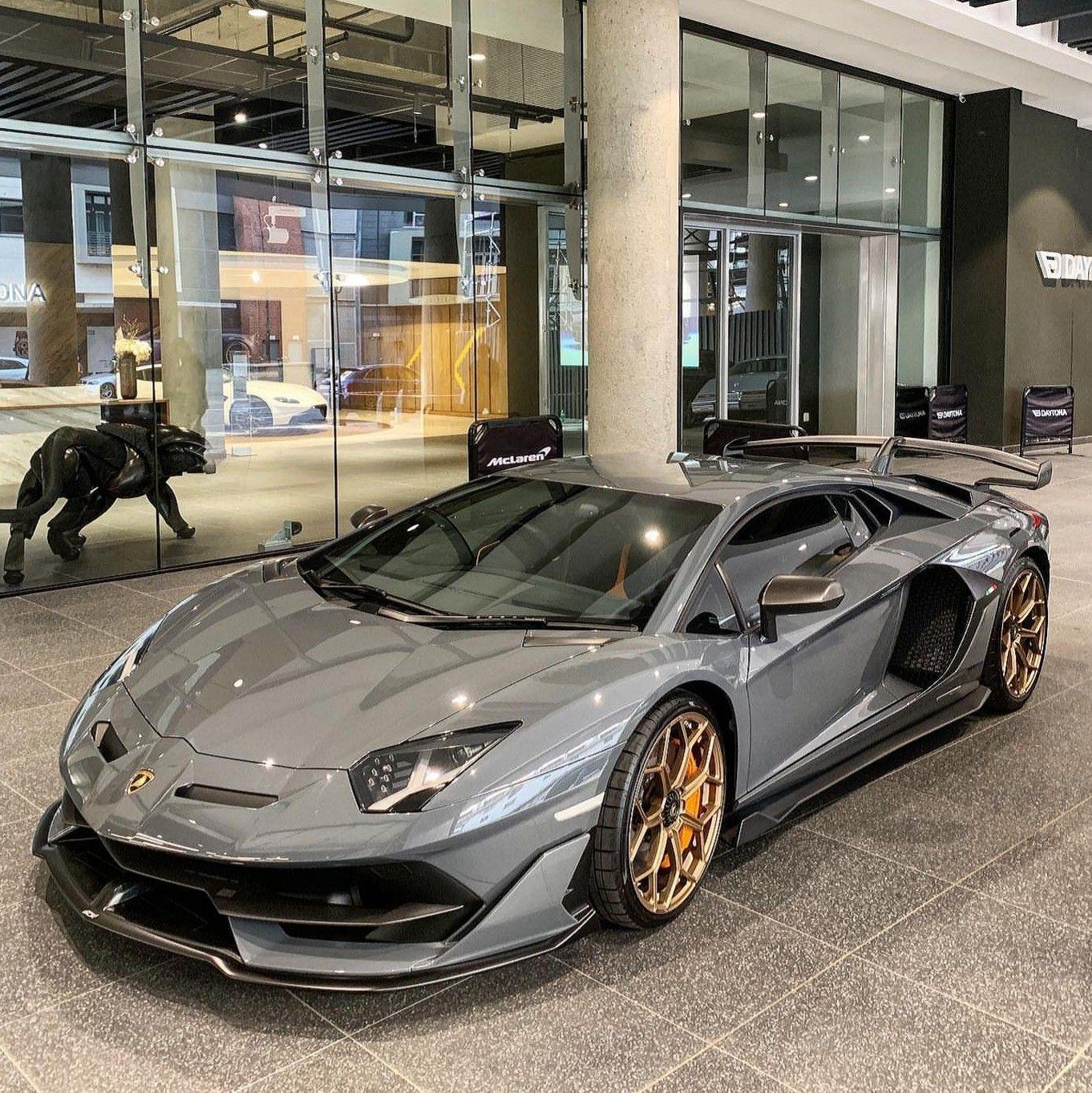 Pin By Finley Mills On Best Luxury Cars In 2020 Lamborghini Aventador Sports Cars Luxury Lamborghini Cars