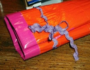 Duct Tape Mini First Aid Kit Roll #Craft Tutorial #DIY Rural Mom #firstaid