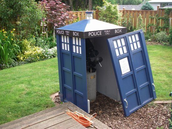 11 Functional Homemade TARDISes