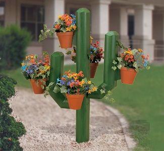 Cactus flower planter cool idea wood pinterest for Wooden cactus planter