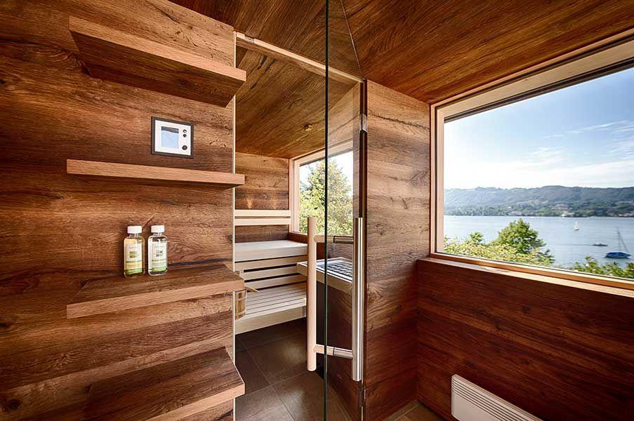 au ensauna mit vorraum und regalen sowie sitzbank und. Black Bedroom Furniture Sets. Home Design Ideas