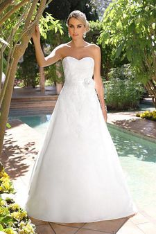 Photo of aktuelle Brautmodenkollektion von Ladybird – mein Hochzeitsführer