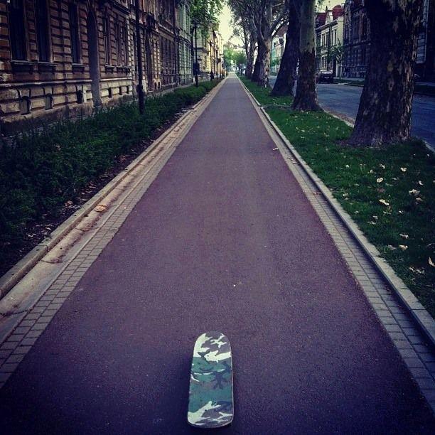 Se hace camino al patinar